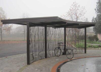 Struttura-porta-biciclette-in-acciaio